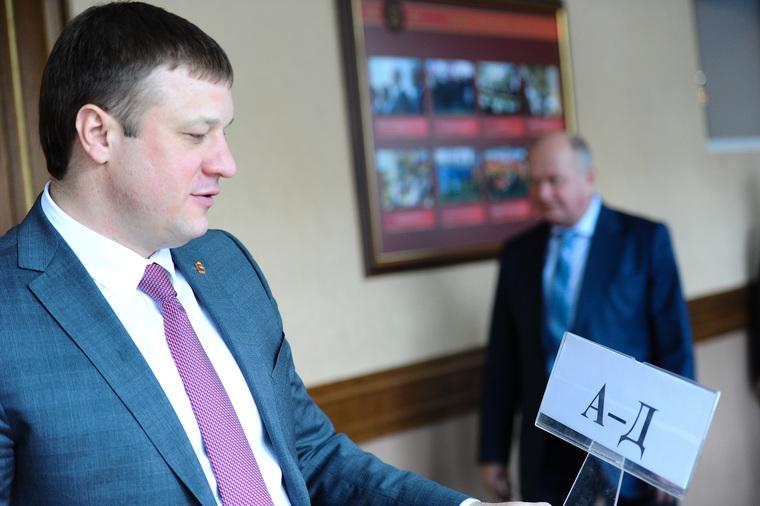 Защитники настаивают навозврате дела Сандакова впрокуратуру