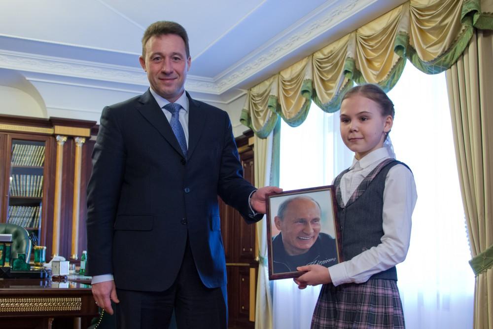 Путин и девочка