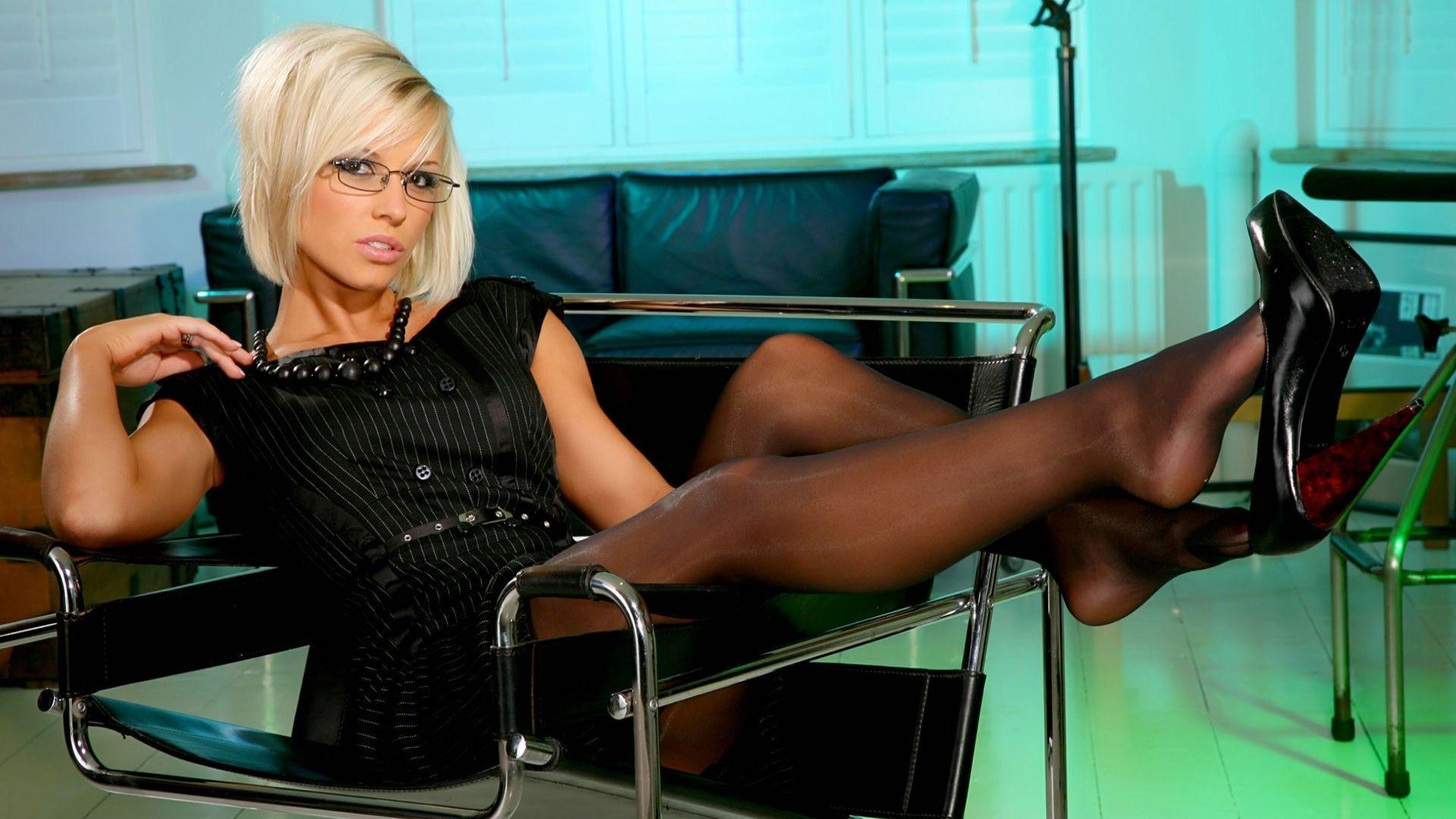 russkaya-blondinka-video