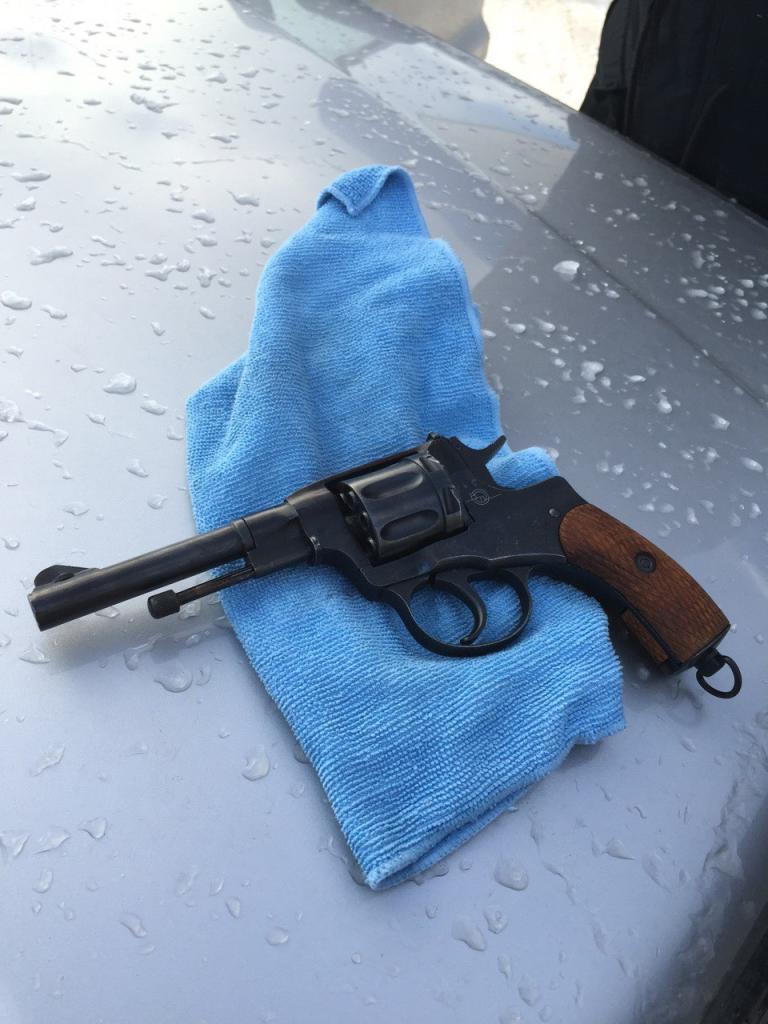 а где твой чёрный пистолет